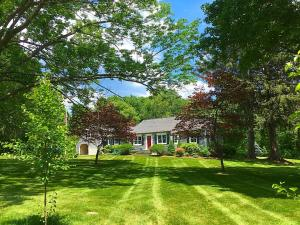 Oxford CT landscaping, Oxford CT lawn mowing, Bethany CT Landscaping, Bethany CT lawn mowing, Woodbridge CT landscaping, Woodbridge CT lawn mowing, Seymour CT landscaping, Seymour CT lawn mowing
